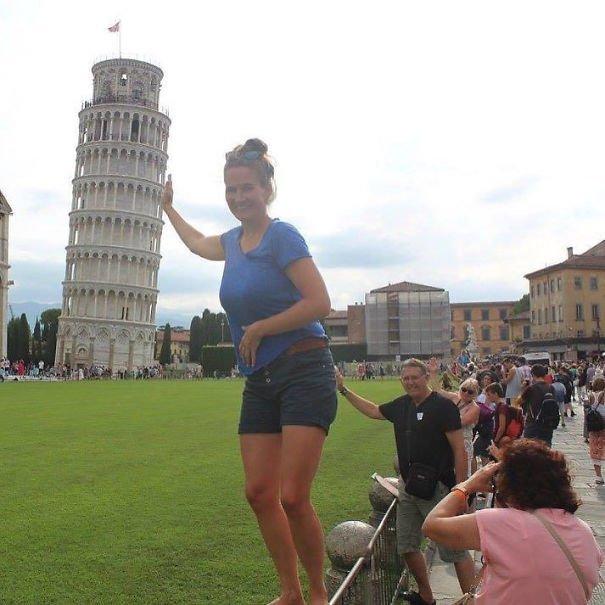 В коллекцию оригинальных фото с Пизанской башней Забавные фото, забавно, задний план, подборка, приколы, смешно, удачный момент, фото