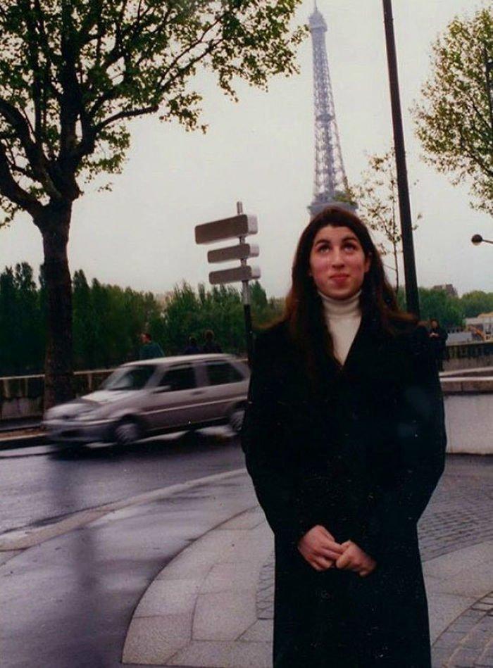 10. Эми Уайнхаус в подростковые годы, Париж, конец 90-х Instagram, звезды, знаменитости, знаменитости в молодости, известные, редкие фото, селебрити, старые фото