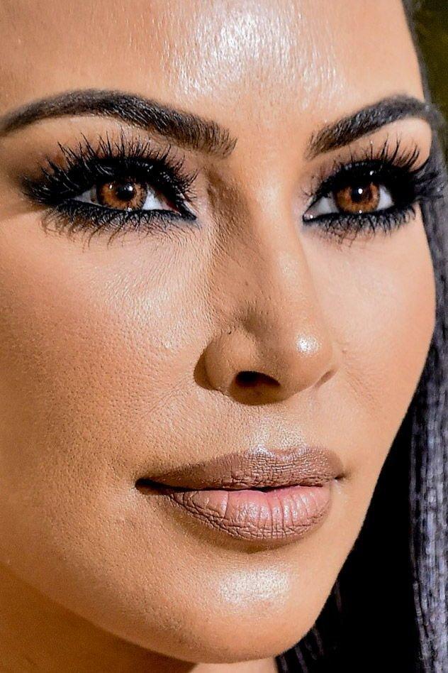 20. Ким Кардашьян звёзды, знамениитости, конфуз, макияж, папарацци, пластика