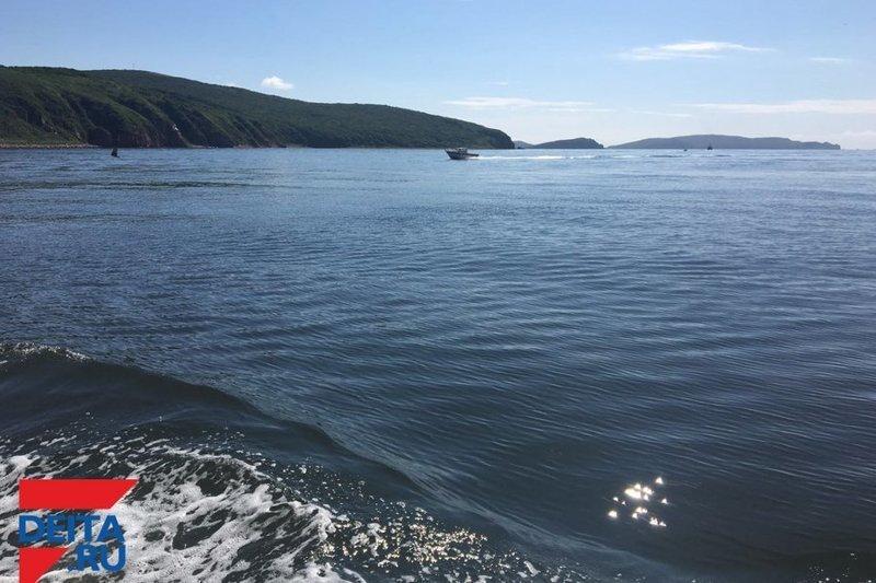 Рыбак трахнул на берегу