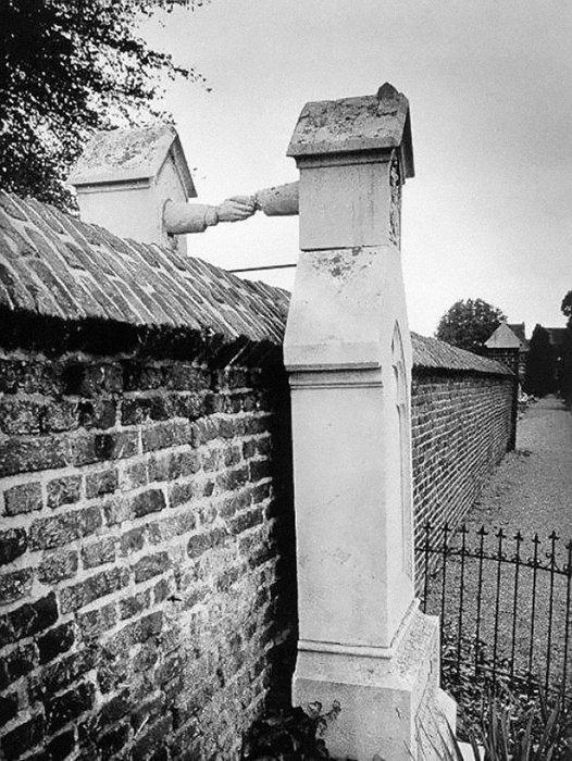 3. Могилы жены-католички и мужа-протестанта на разных кладбищах в Голландии, 1888г. война, история, память