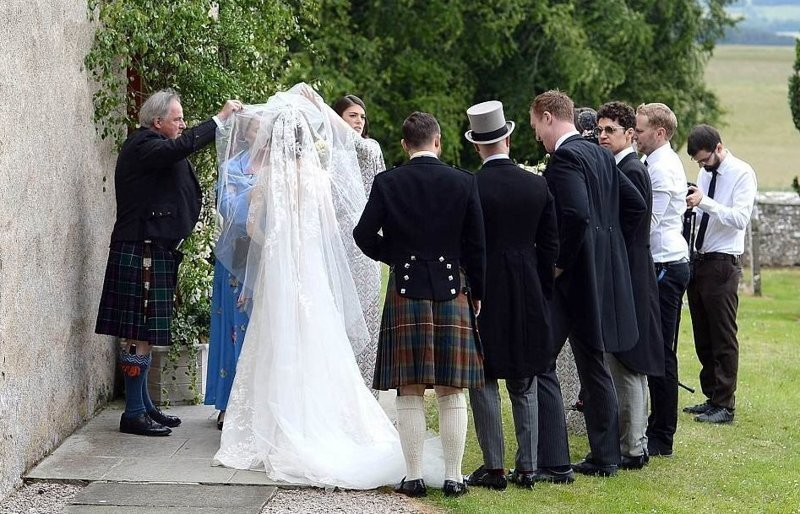 Актеры из «Игры престолов» сыграли свадьбу в старинном замке: видео ynews, видео, игра пристолов, кит харрингтон, свадьба, шотландия