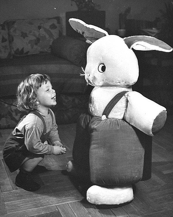 Из неопубликованной истории о пасхальных игрушках в 1939 году. Счастливая Пасха из коллекции изображений LIFE Весь Мир в объективе, ретро, фотографии