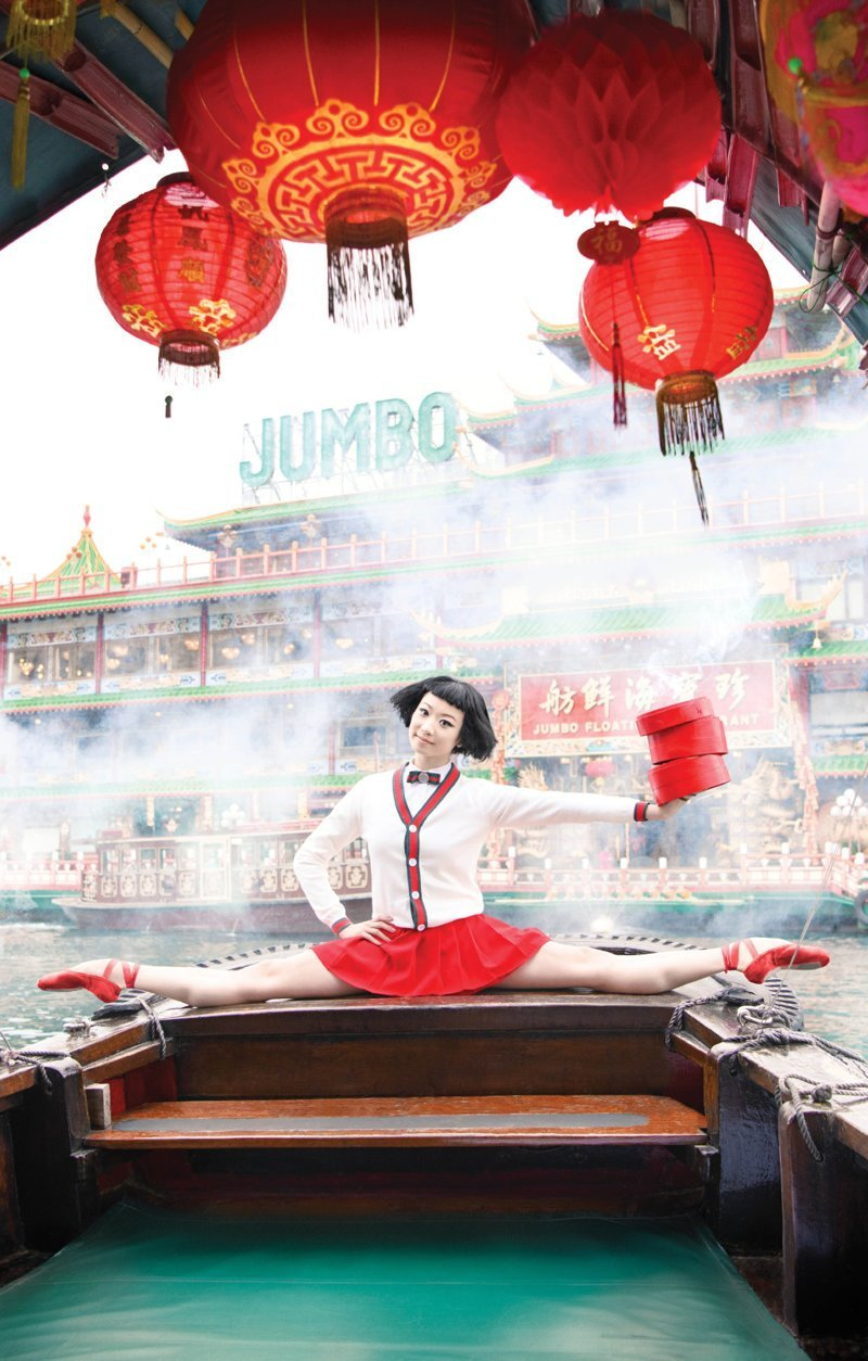 "Плавучий ресторан ""Jumbo Kingdom"" - символ туристического Гонконга балет, гонконг, красиво, реклама, рекламные плакаты, танцоры, танцы, фото"