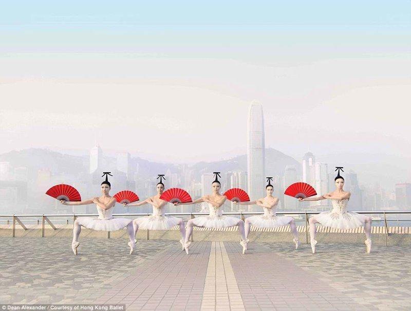 Танцоров, застывших в невероятных позах, запечатлели на фоне местных достопримечательностей и видов Гонконга балет, гонконг, красиво, реклама, рекламные плакаты, танцоры, танцы, фото