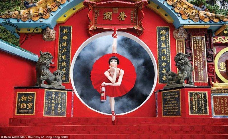 На фото - храм Тхиньхау балет, гонконг, красиво, реклама, рекламные плакаты, танцоры, танцы, фото