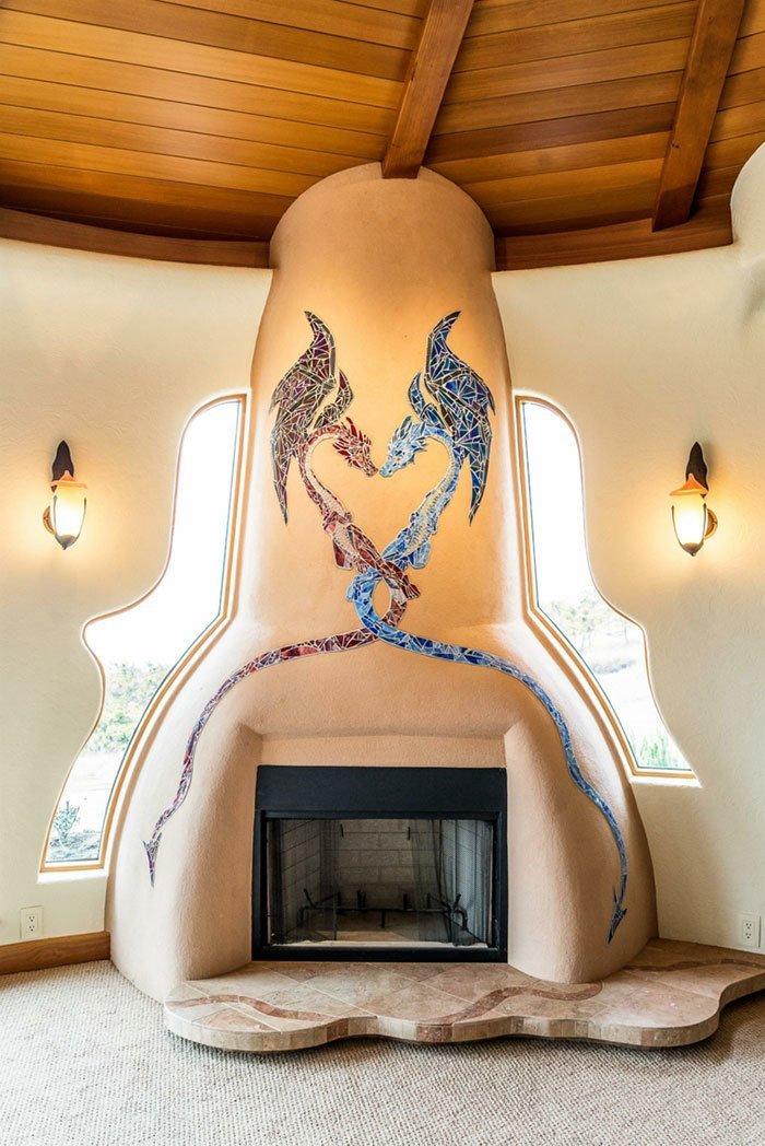 Мозаика с драконами огня и льда над камином - еще одна неповторимая деталь  oregon, властелин колец, дизайн, дом, мир, толкин, фото