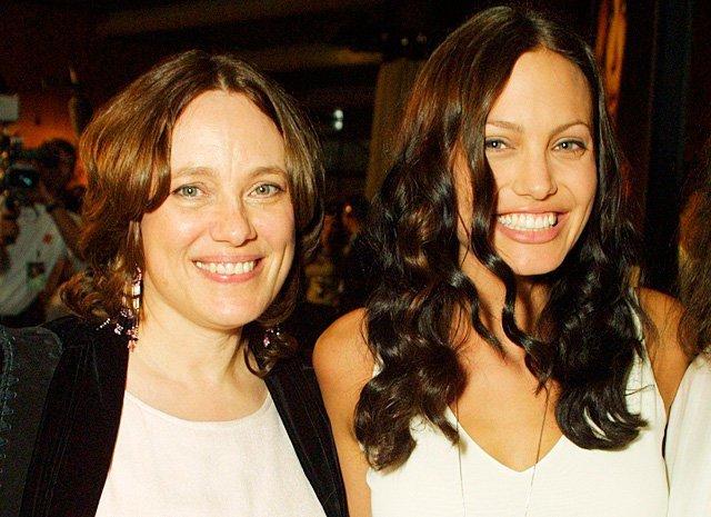 9. Анджелина Джоли с мамой Маршелин Бертран звезды, знаменитости, мамы, раритет, редкий кадр, список