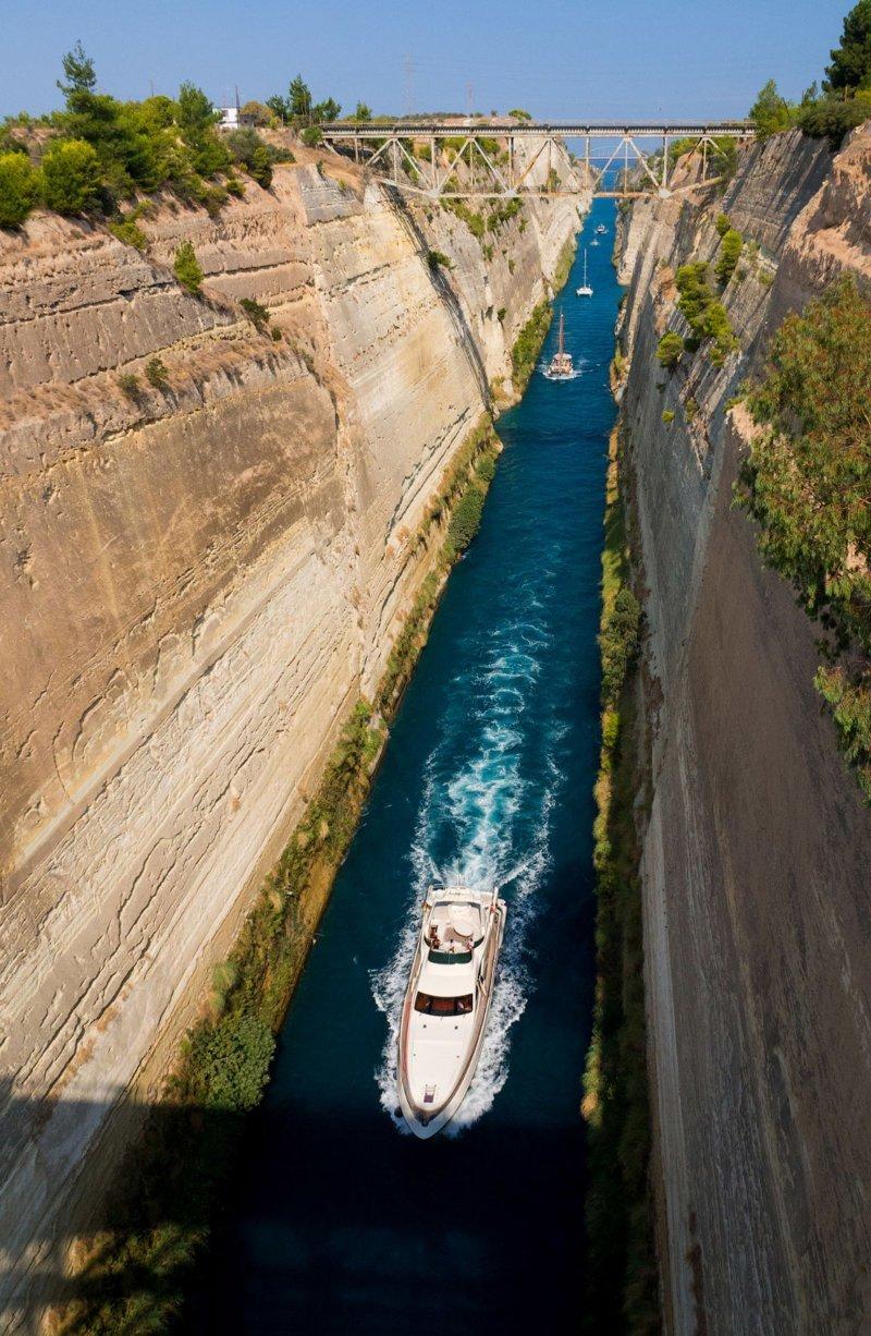 Коринфский канал - самый узкий канал в мире греция, интересное, канал, корабли, путешествия, узкий канал, фото