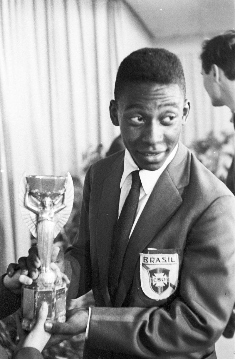 История Короля футбола: как Пеле стал звездой чемпионата мира Пеле, знаменитости, история, спорт, футбол