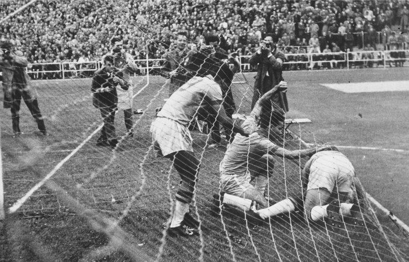 Первый гол Пеле, знаменитости, история, спорт, футбол