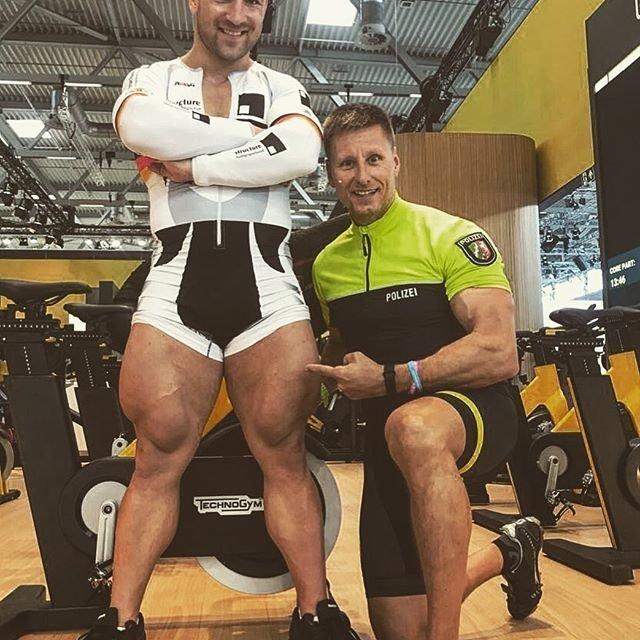 Роберт Фёрстеманн - человек с сильными ногами Роберт Фёрстеманн, велосипедист, ноги, спорт, тело