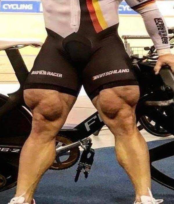 Обхват одной его ноги составляет 74 сантиметра Роберт Фёрстеманн, велосипедист, ноги, спорт, тело