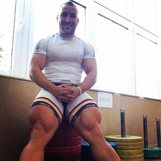 Эти ноги принесли ему много побед по всему миру, включая бронзовую олимпийскую медаль, полученную на летних Олимпийских играх в Лондоне 2012 в дисциплине командный спринт Роберт Фёрстеманн, велосипедист, ноги, спорт, тело