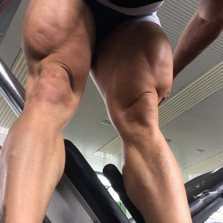 Рост спортсмена составляет 174 см, а вес 95 кг Роберт Фёрстеманн, велосипедист, ноги, спорт, тело