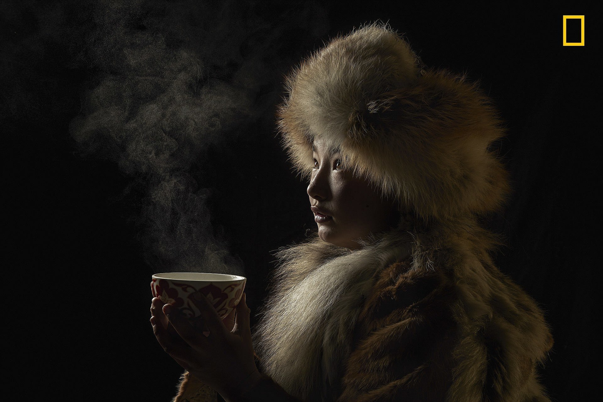 """Фото: Alessandra Meniconzi. Западная Монголия. Первое место в категории """"люди"""" National Geographic Traveler, national geograhic, лучшие фотографии, победители, победители конкурса, фотографии года, фотоконкурс"""