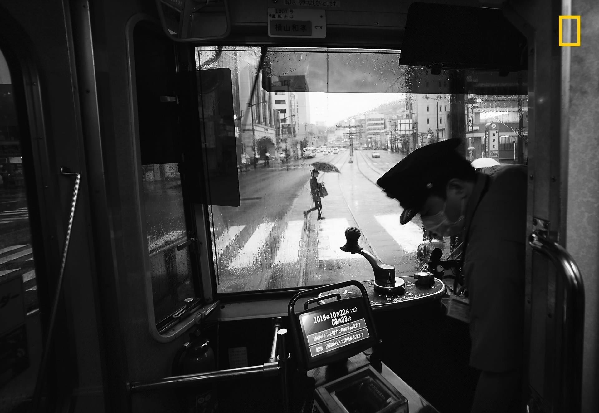 """Фото: Hiro Kurashina. Нагасаки, Япония. Первое место в категории """"города"""" National Geographic Traveler, national geograhic, лучшие фотографии, победители, победители конкурса, фотографии года, фотоконкурс"""