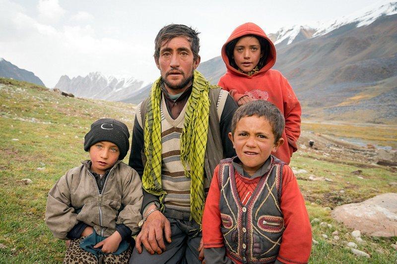 Отец с сыновьями  Ваханский коридор, афганистан, вид, горы, природа, путешествие, фотомир