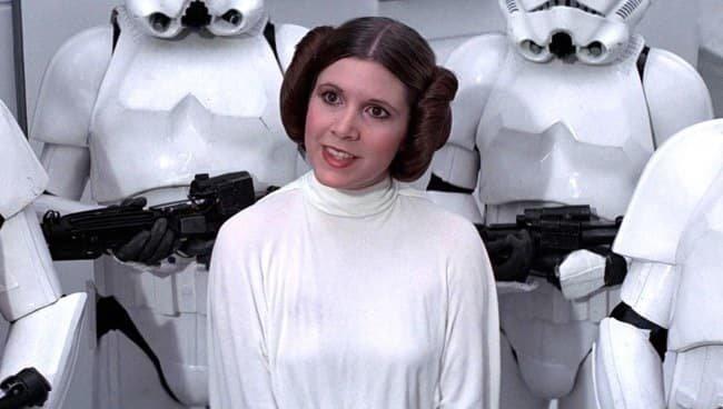 """8. Кэрри Фишер не номинировали за ее самую известную роль принцессы Леи в """"Звездных войнах"""" актеры, актрисы, знаменитости, известные люди, кино, премии, роли, фильмы"""