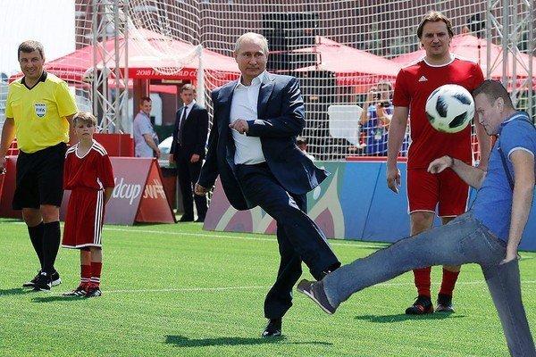 Ну как же тут без Навального? ynews, интересное, президент, путин, фото, футбол, чм-2018