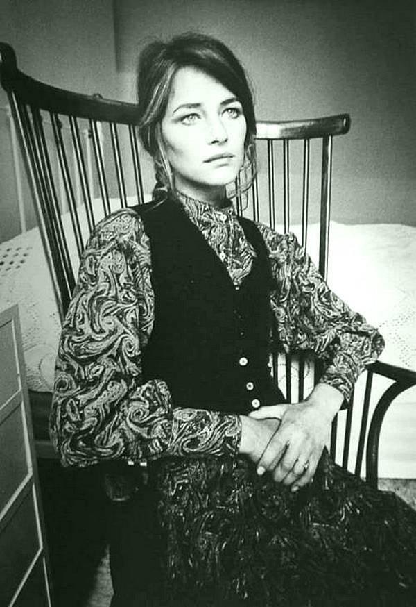 Шарлотта Рамплинг в Париже, 1970. Фото Жанлоупа Зиффа. кинематограф, ностальгия, ретро