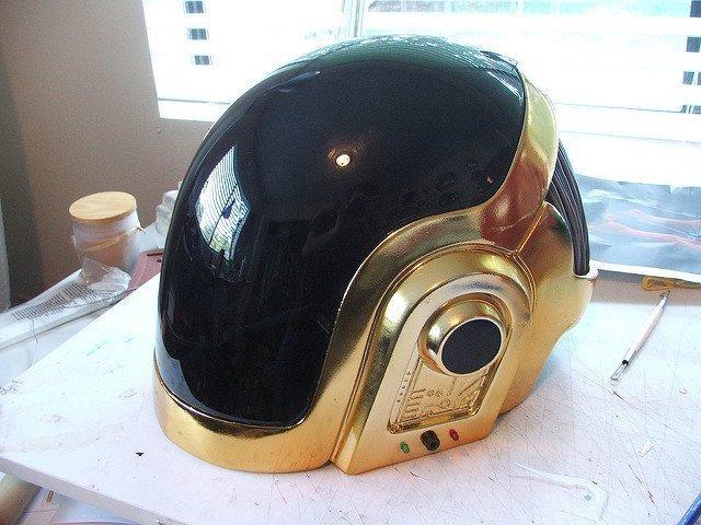 Самодельный шлем Daft Punk своими руками за 300 часов в мире, люди, своими руками, сделай сам, шлем