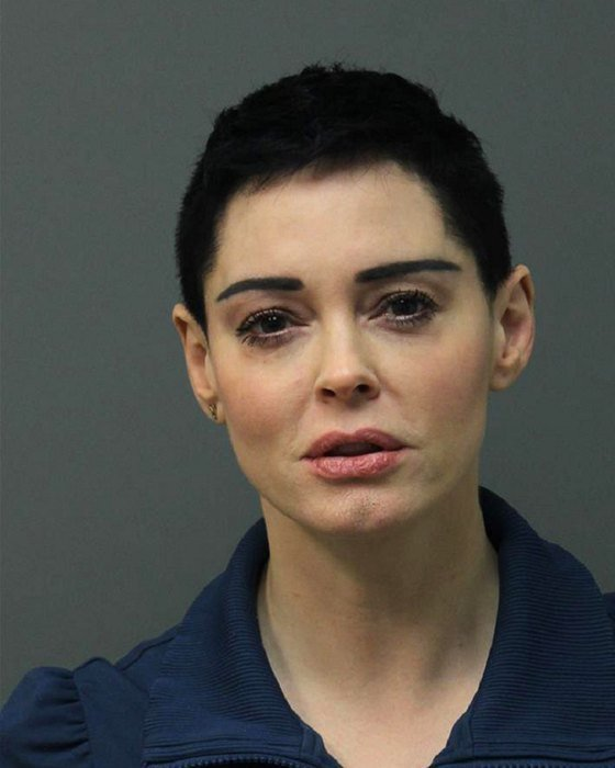 6. Роуз Макгоуэн звезды, знаменитости, наркотики, полицейский участок