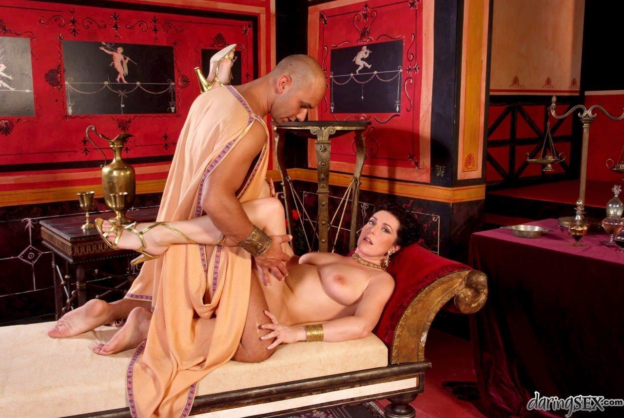 Римская проститутка проститутки телефоны винницы