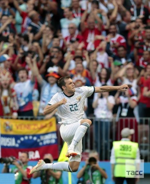 Страна отмечает победу: Россия обыграла Испанию и вышла в четвертьфинал ЧМ 2018 по футболу, испания, россия, спорт, чм-2018