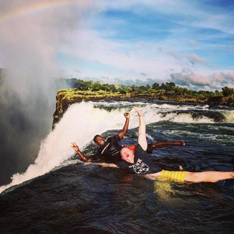 На краю водопада Виктория, ЮАР день, животные, кадр, люди, мир, снимок, фото, фотоподборка