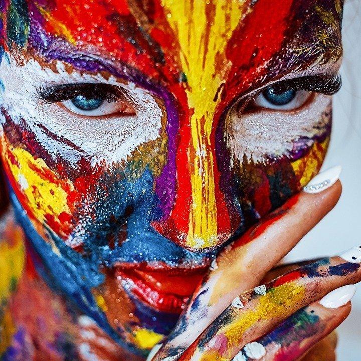 Мало макияжа. Как не покажется странным некоторым девушкам, предпочитающим раскраску воинов из племени апачи, мужчин тонна косметики лишь отталкивает женщины, интересное, крючок, рыбалка, уловки, факты