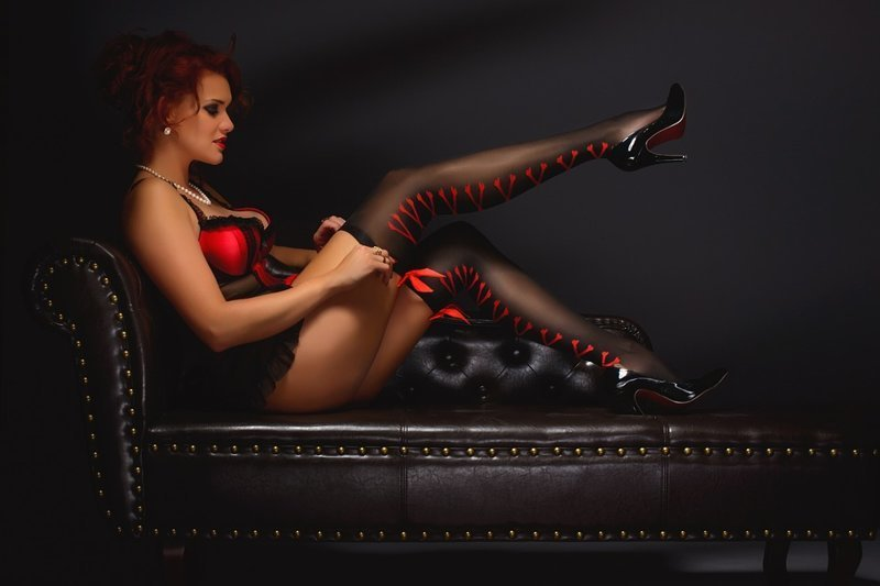 Каблуки. Мало того, что женская ножка на каблуках кажется стройнее и длиннее, так еще и не мало (около 45%) фетишистов, которые обожают женские ножки обутые в туфли на каблуке женщины, интересное, крючок, рыбалка, уловки, факты