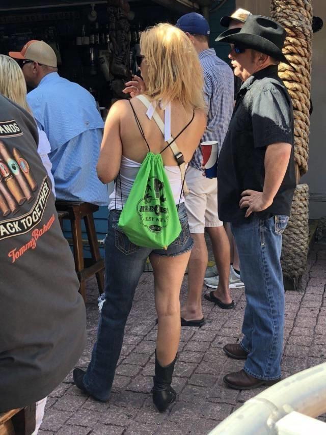 По одежке встречают джинсы, мода, одежда