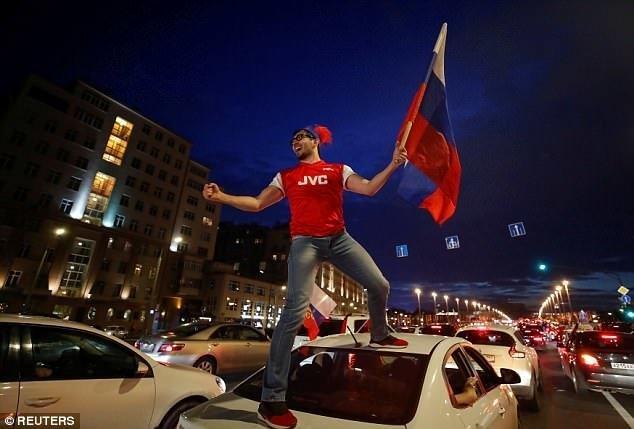 Люди были абсолютно счастливы ynews, ЧМ 2018 Россия, ЧМ 2018 по футболу, гуляния, москва, победа, праздник, фоторепортаж
