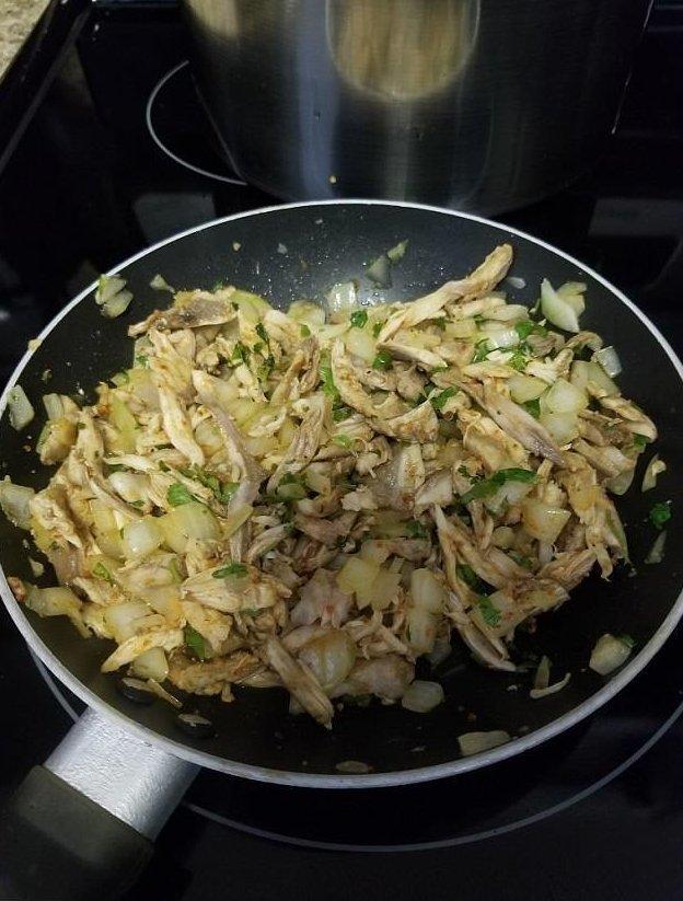 По вкусу их мясо напоминает курицу, но содержит больше белка  буррито, женщина, игуана, мясо, охота, пища, сша, флорида