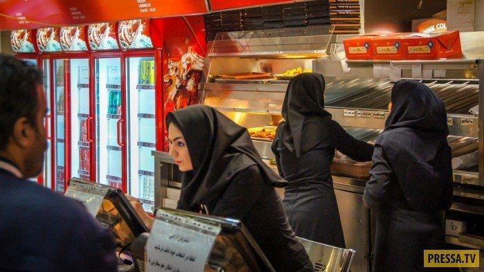 """Местный иранский """"Макдональдс"""". девушки, история, факты"""