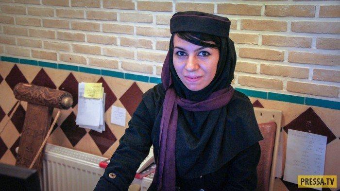 Типичный иранский нос. Кассир в ресторане Исфахана. девушки, история, факты