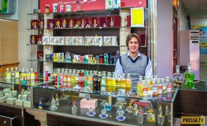 Продавец парфюмерии девушки, история, факты