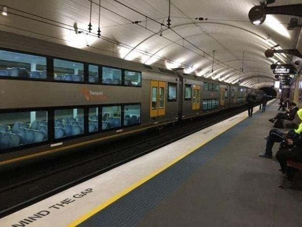 Там же есть двухэтажный поезд авто, автобус, для людей, интересное, люди, общество, транспорт