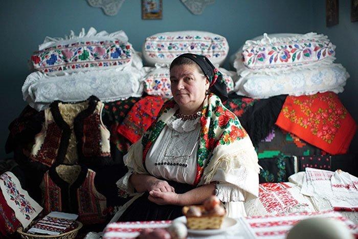 Бихор - маленький район в Румынии, славящийся уникальными и красивейшими культурными традициями dior fashion, вышивка, заимствование, мода, орнамент, плагиат, румыния, традиции