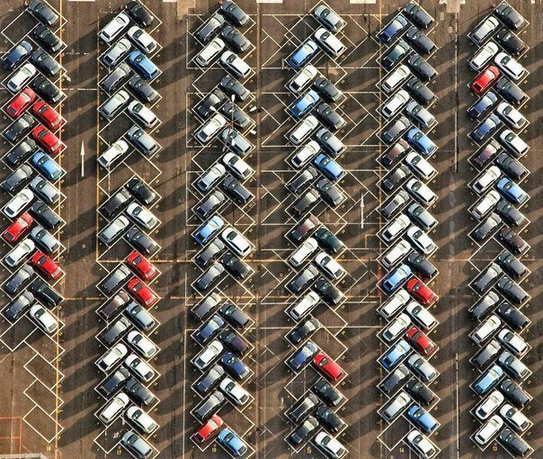Парковка в Германии гармония, идеально, красота, перфекционизм, совершенство, фото