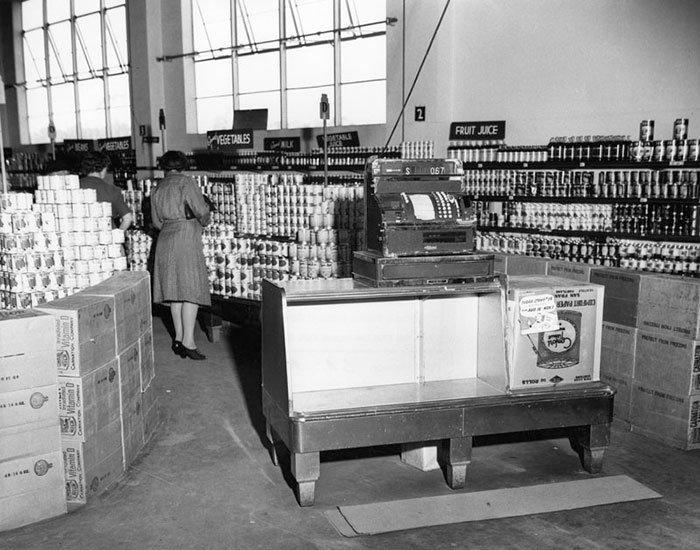 Продуктовый магазин Ralphs, Лос-Анджелес, Калифорния, ноябрь 1943 года  винтаж, магазин, ретро, супермаркет, сша, универсам, фотография