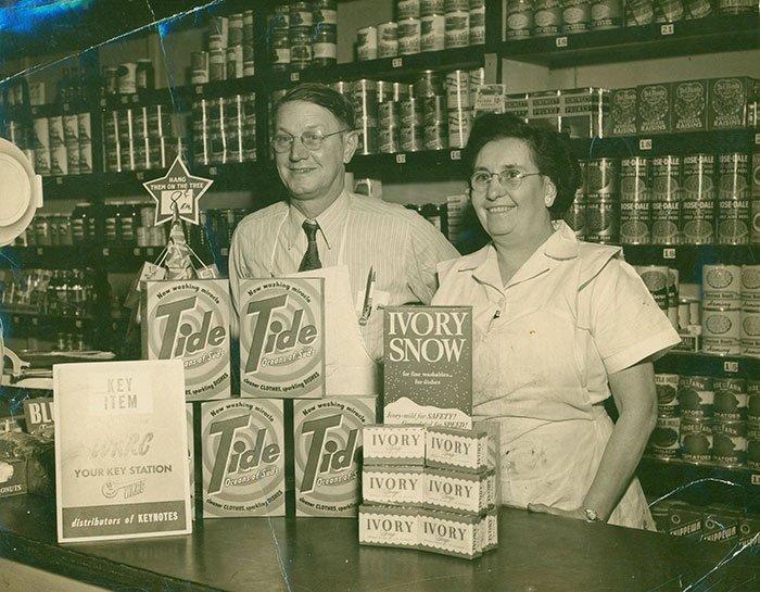 Хозяйка магазина в Цинциннати, Огайо винтаж, магазин, ретро, супермаркет, сша, универсам, фотография