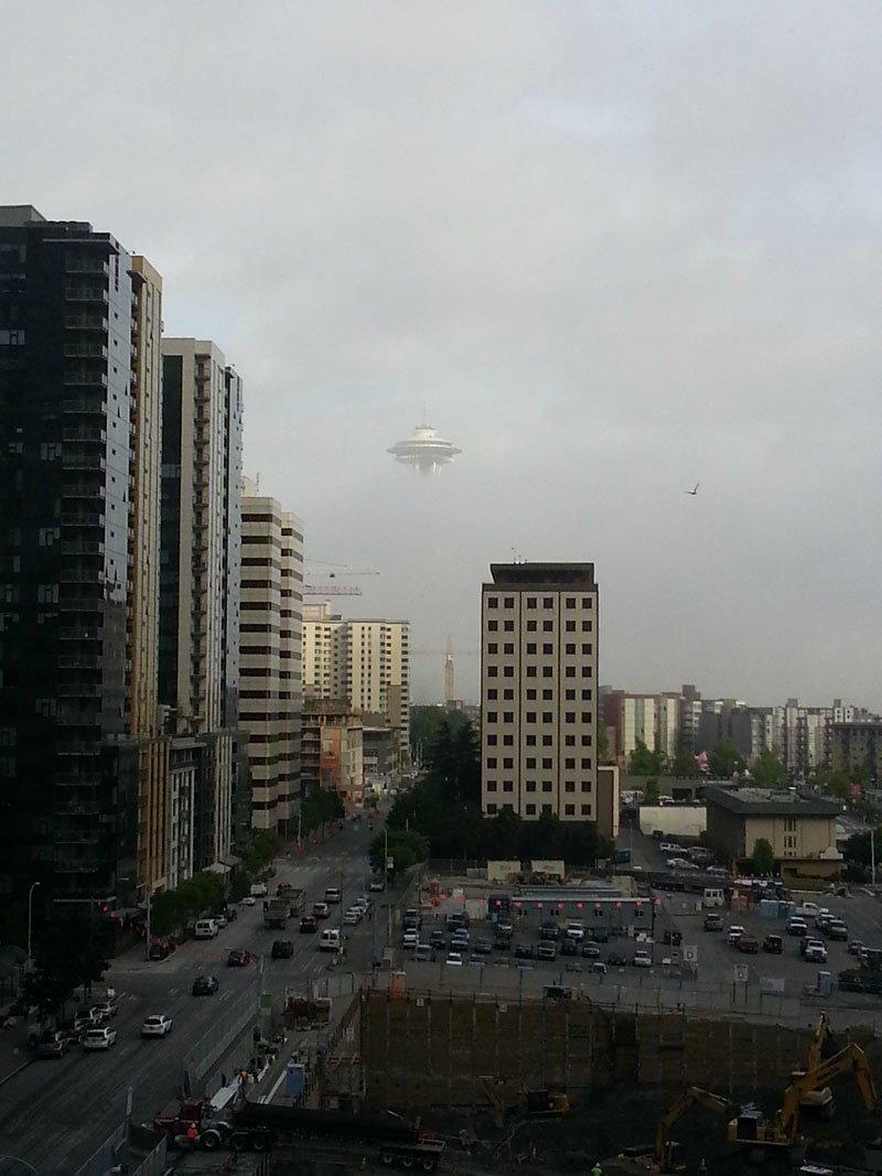 Инопланетяне над городом взглянуть дважды, когда увидел это, прикол, юмор