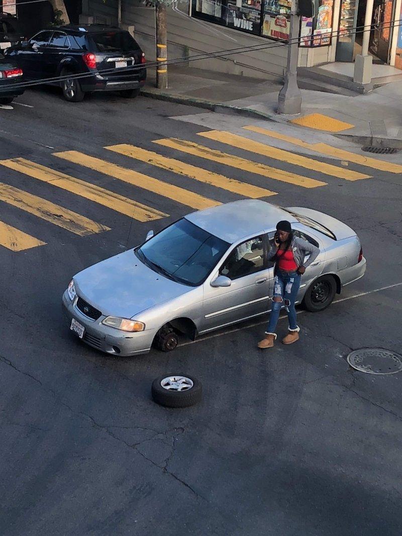 Когда в автосервисе забыли затянуть болты неприятности, прикол, худший день, юмор