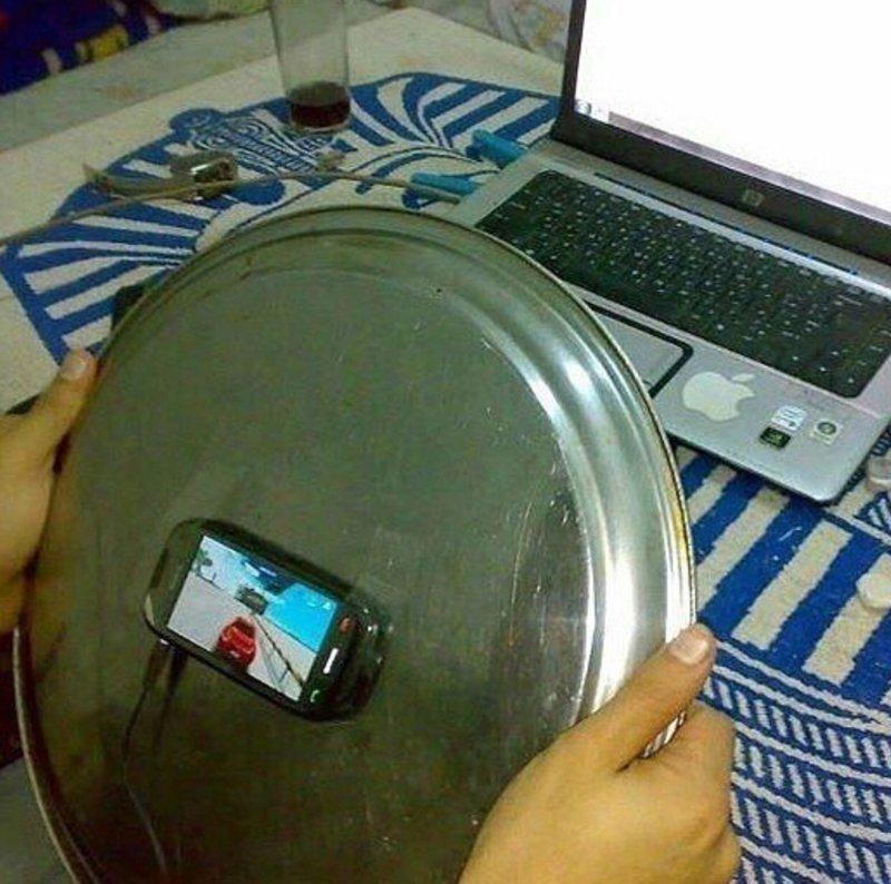 Когда очень любишь играть в гонки на смартфоне бесполезные изобретения, прикол, юмор