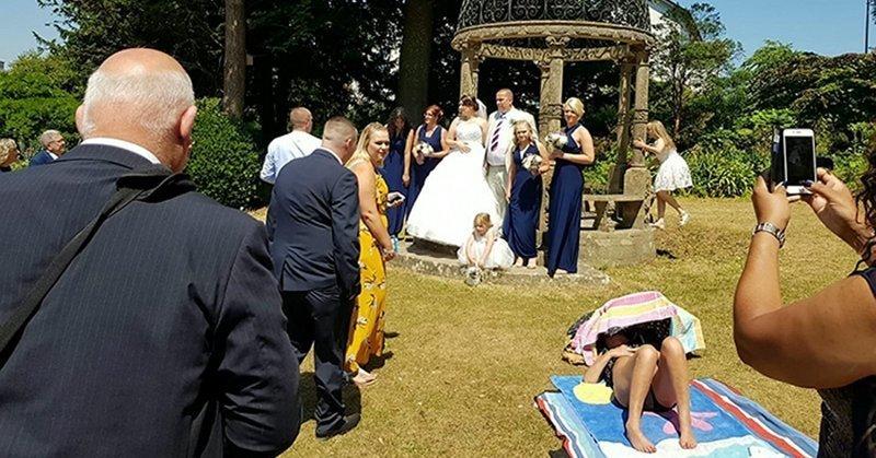 Загорающая женщина отказалась уходить ради свадебного фото в мире, загар, история, люди, принцип, свадьба