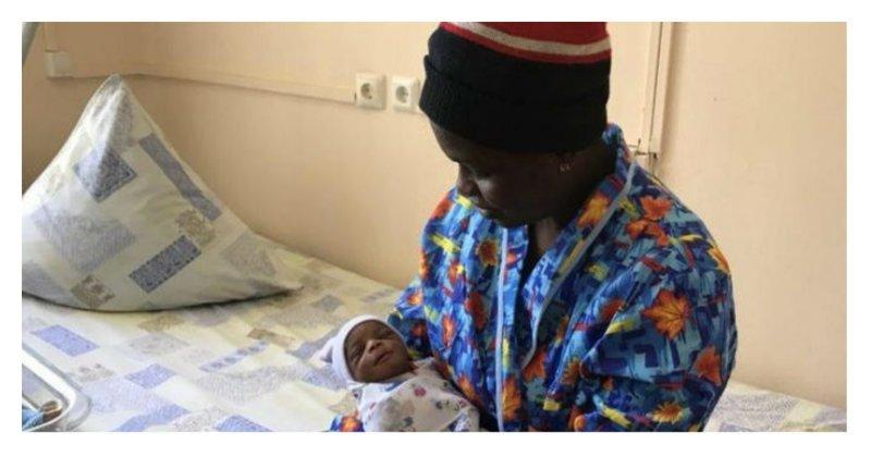 Нигерийская футбольная фанатка родила в Москве сына - назвала Иваном ynews, мундиаль, нигерия, рождение ребенка, спорт, чм2018