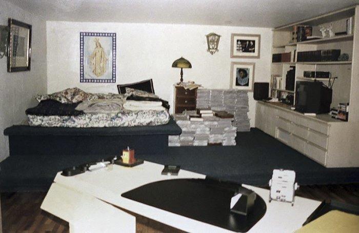 А в городе Энвигадо вы увидите знаменитую тюрьму Ла Катедраль, построенную на средства наркобарона для собственного отбывания наказания Медельин, Пабло Эскобар, знаменитость, колумбия, наркобарон, особняк, пейнтбол
