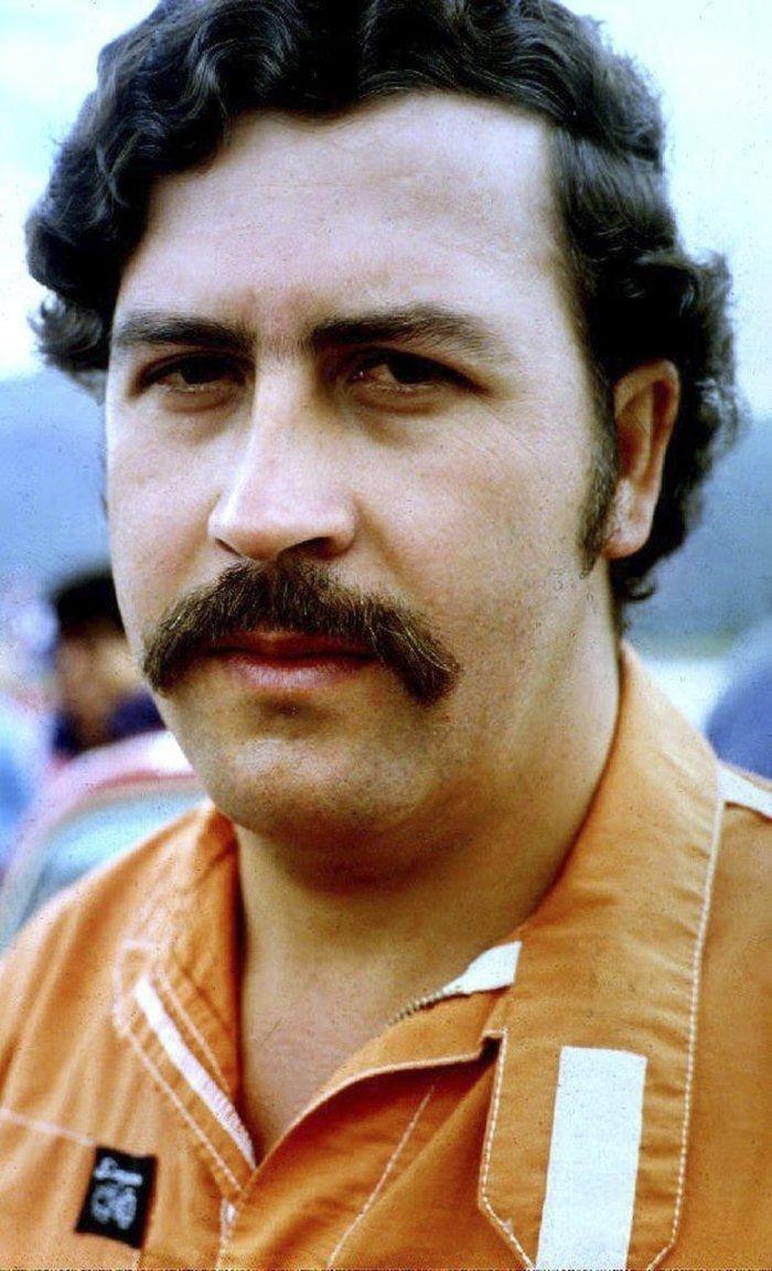 Пабло Эскобар - один из самых известных наркобаронов XX века Медельин, Пабло Эскобар, знаменитость, колумбия, наркобарон, особняк, пейнтбол